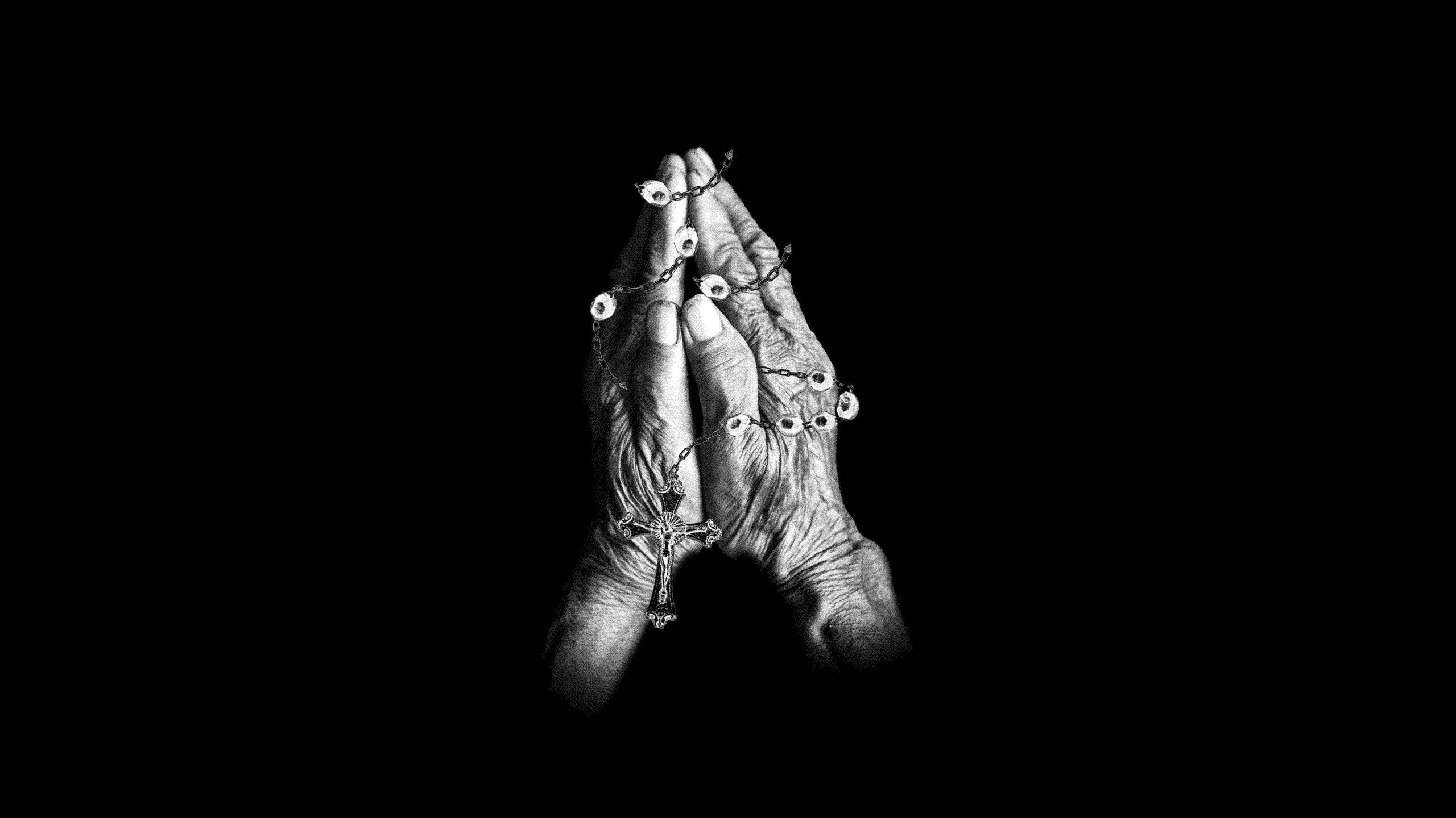 GUE-PEQUENO-SINATRA-merch-graphics-hands-02